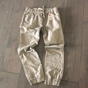 New with tags Levi's khaki joggers Youth size LG